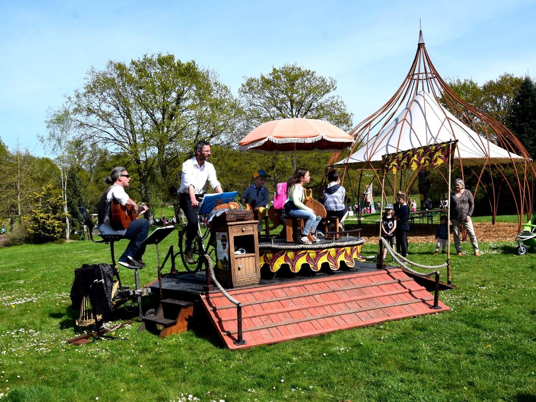 Cabaret-Cyclette aux Jardins de Brocéliande